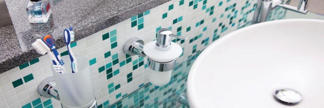 Jak pozbyć się wilgoci w łazience?