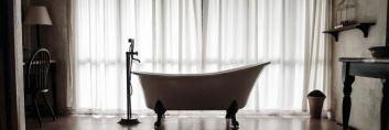 Umywalki i wanny w stylu retro