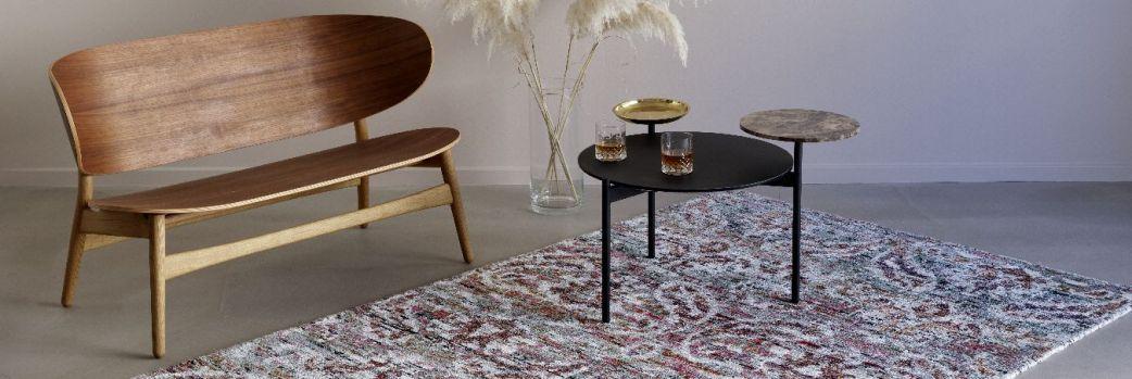 Geometria kontra floral. Modne dywanowe desenie
