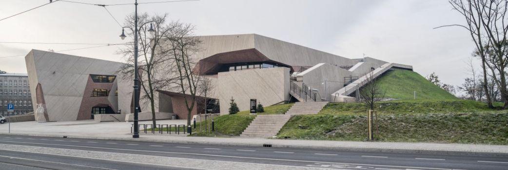 Tajemniczy sześcian we Wrocławiu