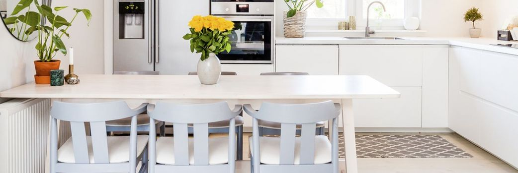 Wybieramy stół kuchenny – na co zwrócić uwagę?
