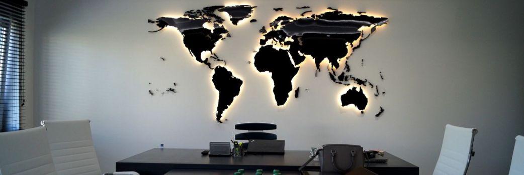 Motyw mapy. Kartograficzne dodatki