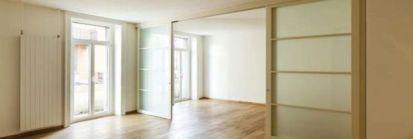 Jak wstawić przesuwne drzwi?