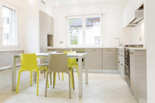 kuchnia biało-szara