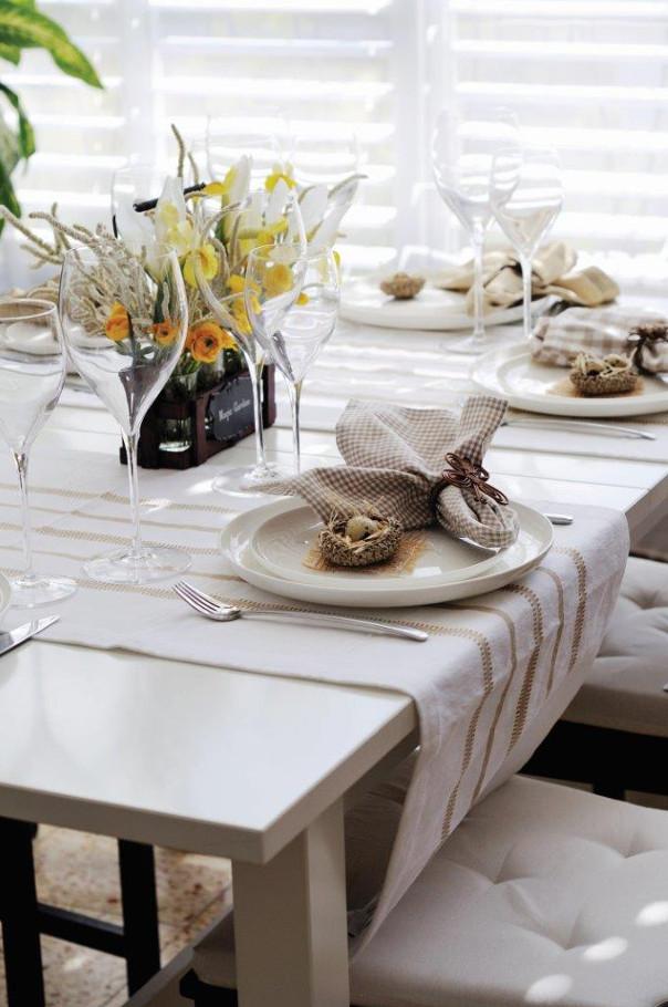 tradycyjny stół wielkanocny