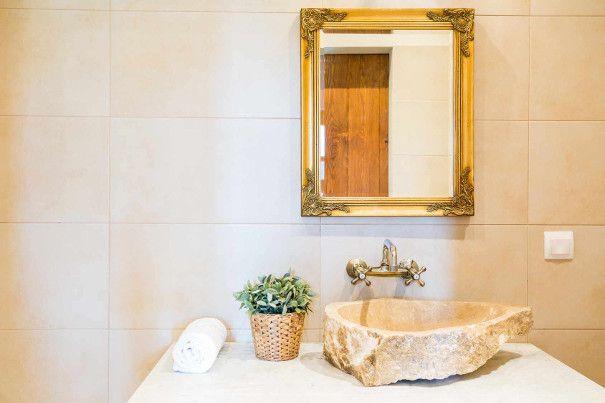 aranżacja łazienki złoto
