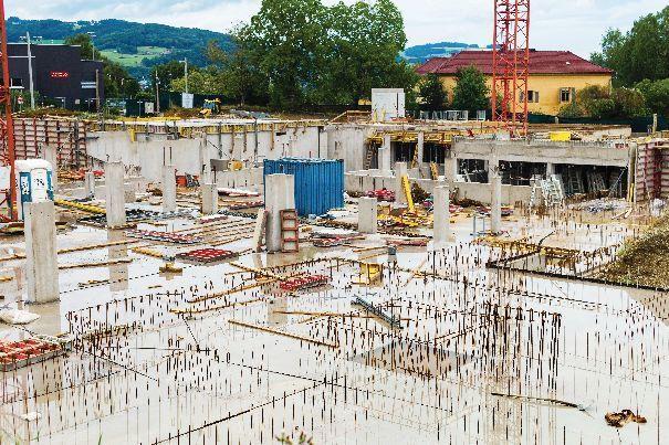 Składy budowlane oferują klientom wiele różnych wariantów cementu. Opakowanie produktu powinno zawierać specyfikację cementu.
