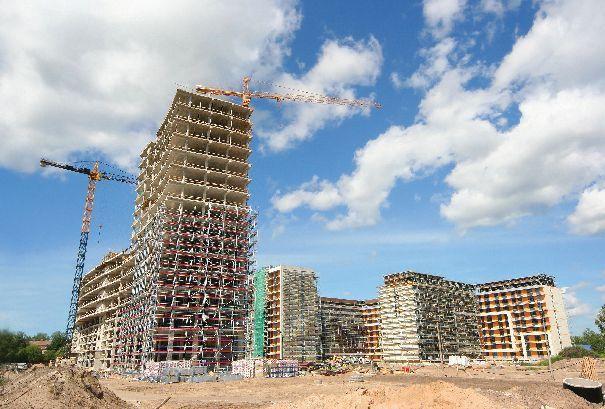 """Jak wynika z najnowszej edycji kwartalnych raportów: """"Pierwotny rynek mieszkaniowy"""" - opracowywanych przez Dział Badań i Analiz firmy Emmerson S.A. - w pierwszym kwartale 2012 r. zwiększyła się podaż nowych mieszkań w pięciu - na siedem głównych rynków mieszkaniowych."""