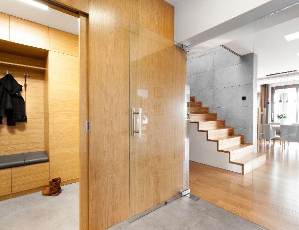 Zanim dokonamy wyboru projektu domu, warto rozważyć możliwość realizacji uwzględniającej przedsionek.